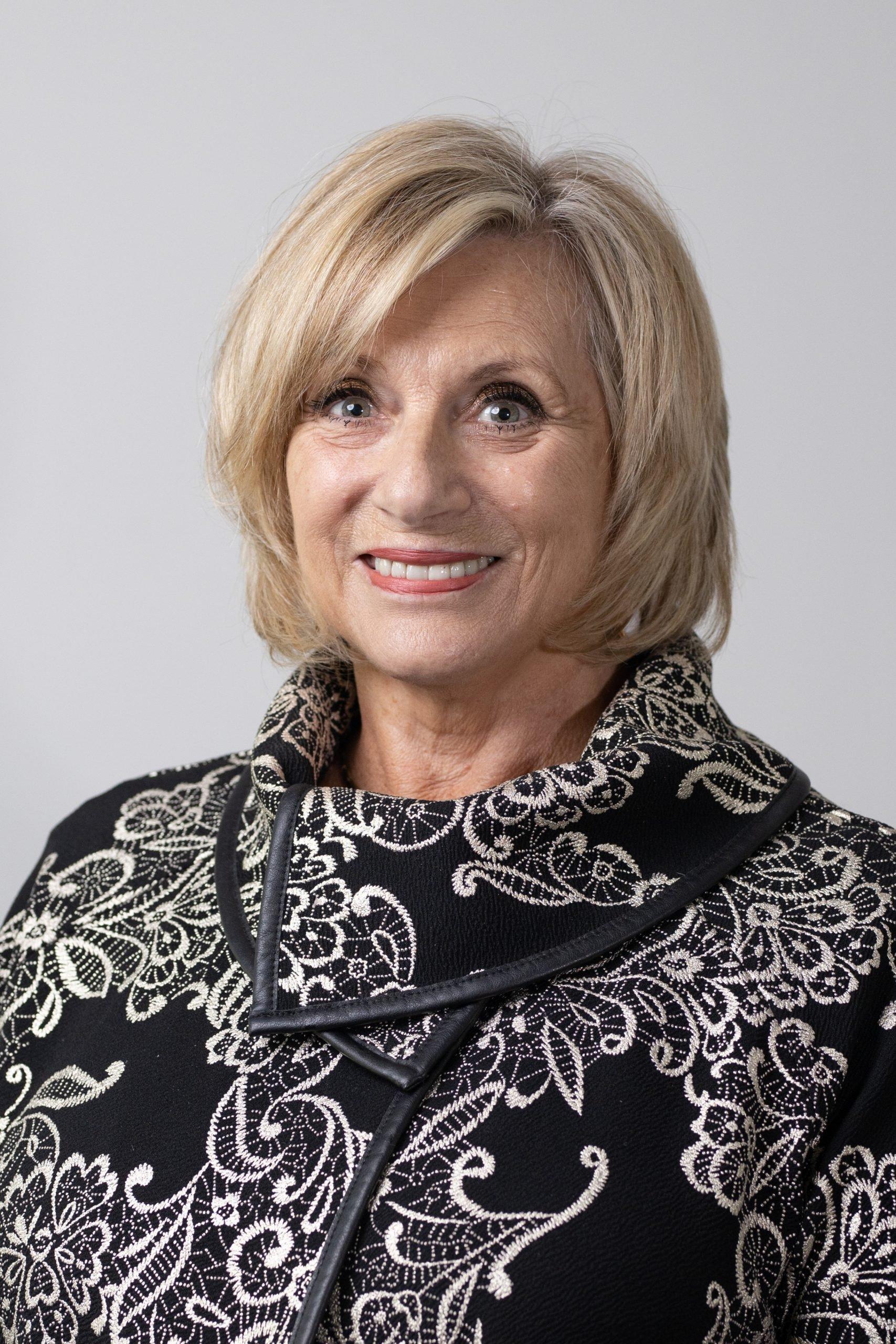 Robyn McLeod
